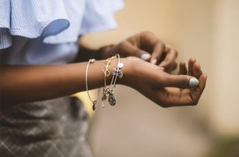 Guide to Hypoallergenic Jewelry